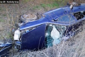 V aute sa viezli tri osoby.