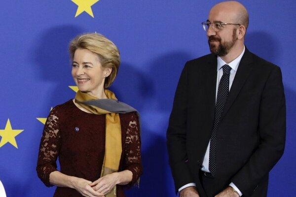 Ursula von der Leyenová a Charles Michel.