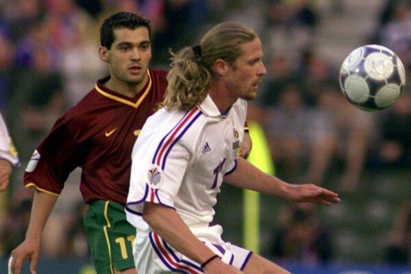 Emmanuel Petit v zápase Francúzsko - Portugalsko na Majstrovstvách Európy 2000.