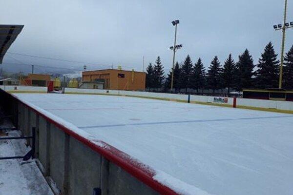 Ľadová plocha v Stropkove. Všetko je pripravené na novú sezónu.