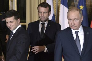 Volodymyr Zelensky, Emmanuel Macron a Vladimir Putin v Paríži.