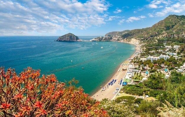 3 km dlhá pláž Maronti