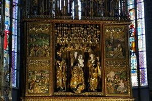 Hlavný oltár v bazilike.