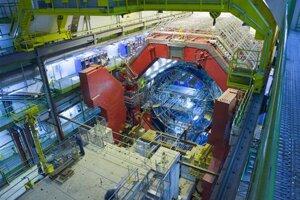 Pohľad na dutinu, v ktorej je vložený detektor zrážok častíc - iónov olova.