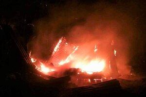 Požiar chaty v Zádieli.