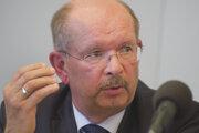 Prezident Zväzu chemického a farmaceutického priemyslu Roman Karlubík.