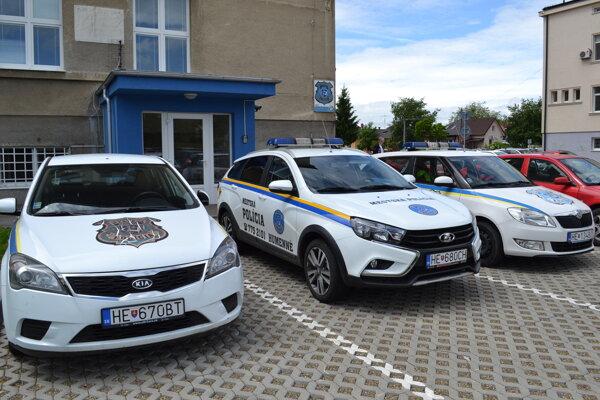 Do hľadania sa zapojili aj mestskí policajti.