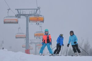 Prvá tohtosezónna lyžovačka v Tatranskej Lomnici.