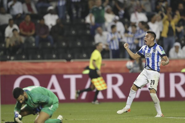 Carlos Rodriguez z Monterrey oslavuje gól.