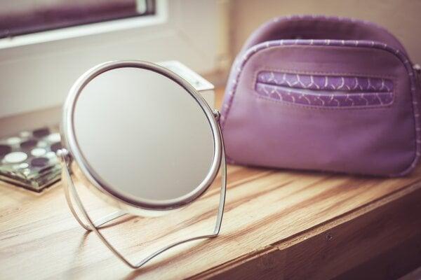Zrkadlo nepatrí do triedeného odpadu.