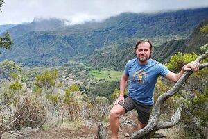 Jozef Terem na treku po ostrove Réunion.