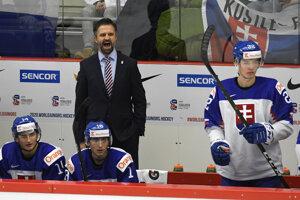 Tréner reprezentácie do 20 rokov Róbert Petrovický.