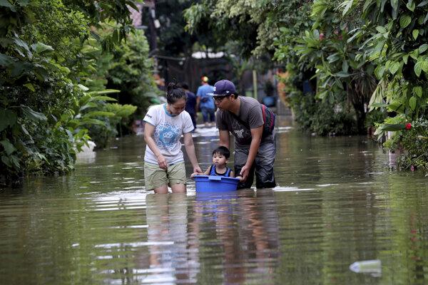 Záplavy v Indonézii.