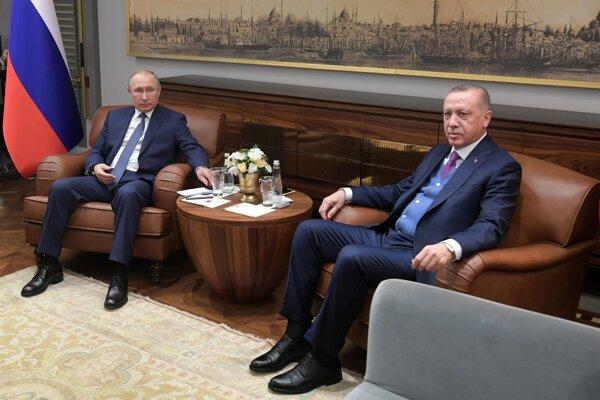 Ruský prezident Vladimir Putin počas rokovania s tureckým prezidentom Recepom Erdoganom.