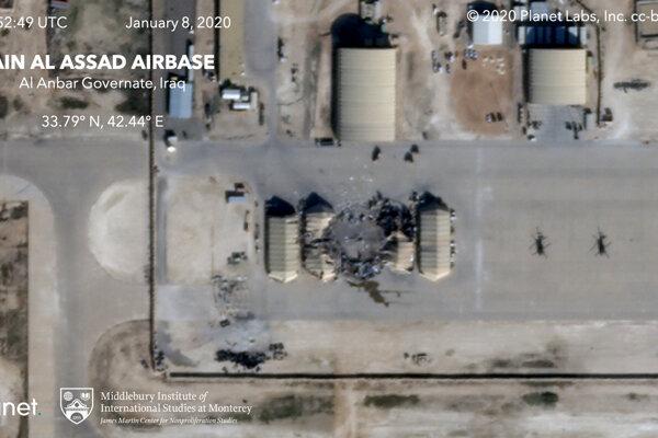 Satelitná snímka americkej základne po iránskom raketovom útoku.