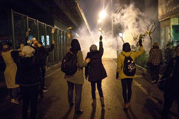 Protivládne protesty v Teheráne.