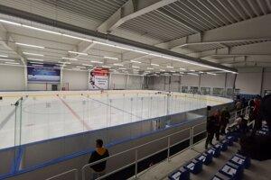 Nový hokejový stánok potešil obyvateľov mesta.