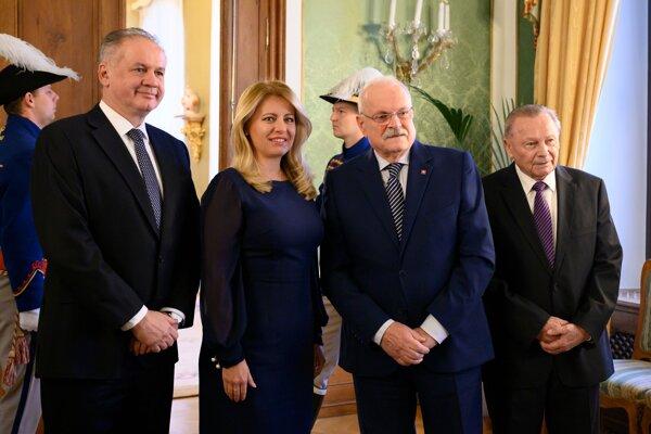 Zľava Andrej Kiska, Zuzana Čaputová, Ivan Gašparovič a Rudolf Schuster počas prijatia bývalých prezidentov Slovenskej republiky na spoločnom novoročnom obede 17. januára 2020 v Prezidentskom paláci v Bratislave.