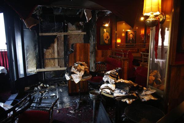 Zhorený interiér reštaurácie La Rotonde.
