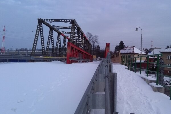 Provizórny most.
