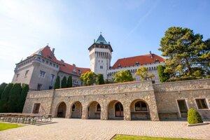 Smolenický zámok je jedným z najmladších na Slovensku.
