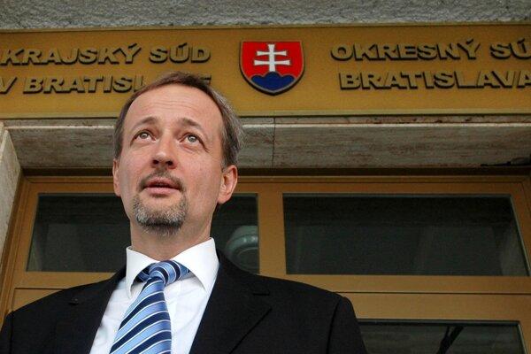 Bývalý riaditeľ SIS Ivan Lexa mal vypovedať ak osvedok.