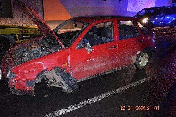 Muž spôsobil nehodu.