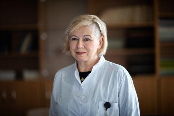 Irina Šebová je prednostka Detskej ORL kliniky LF UK a NÚDCH v Bratislave. Zameriava sa najmä na diagnostiku a liečbu porúch sluchu malých detí.