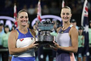 Timea Babosová a Kristina Mladenovicová vyhrali štvorhru na Australian Open 2020.