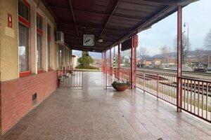 Železničná stanica v Nemšovej.