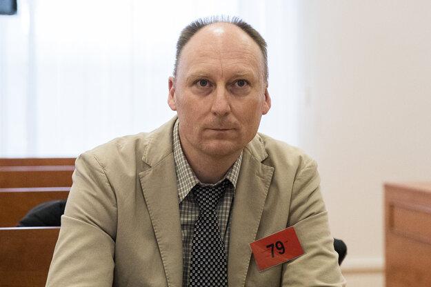 Peter Mihály.