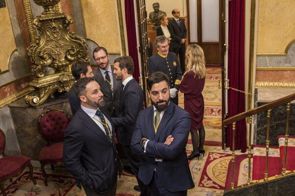 Strany zo spomínaných troch regiónov sa snažia odtrhnúť od zvyšku španielskeho štátu.