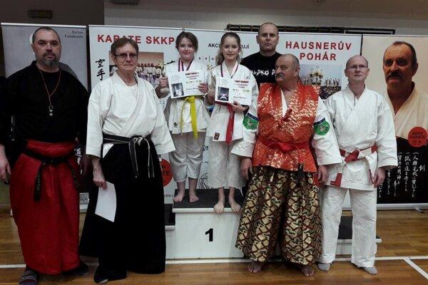 Zľava: p. Červený, p. Koťa, Miriam Wenderlová, Ingrid Marková, Michal Rusnák, p. Hausner, p. Halva.