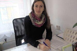 Nina  Šajgalíková, učiteľka slovenčiny a telesnej výchovy.