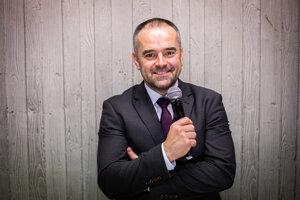 Slávo Jurko je uznávaný moderátor a športový komentátor.