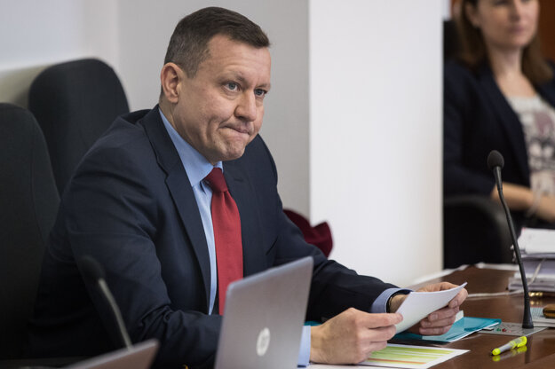 Daniel Lipšic počas pojednávania v kauze falšovania televíznych zmeniek na Špecializovanom trestnom súde v Pezinku.