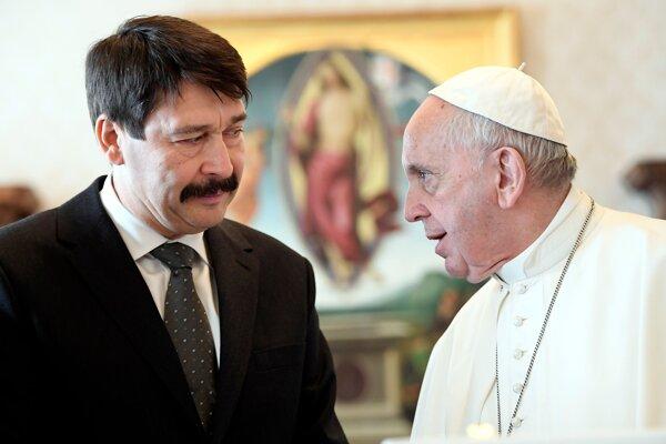 Pápež František sa v minulosti stretol s maďarským prezidentom Jánosom Áderom aj premiérom Orbánom.