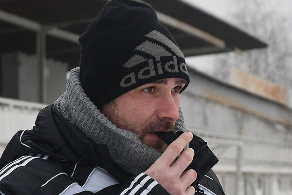 Tréner Prešova Peter Petráš.