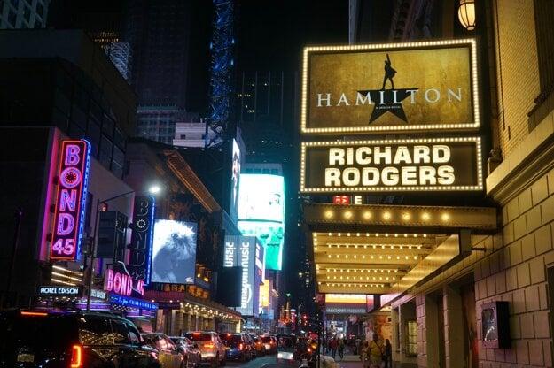 Broadway je posiata divadlami