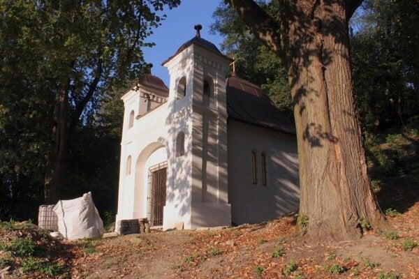 Kaplnka v Horných Kočkovciach, ktorej rekonštrukcia bola minulý rok podporená z participatívneho rozpočtu TSK.