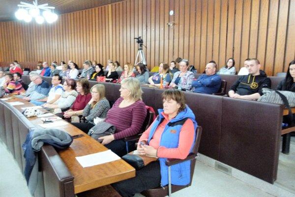 O Hurbanke sa znovu diskutovalo aj na zasadnutí  mestského zastupiteľstva.Do debaty sa zapojili aj občania.