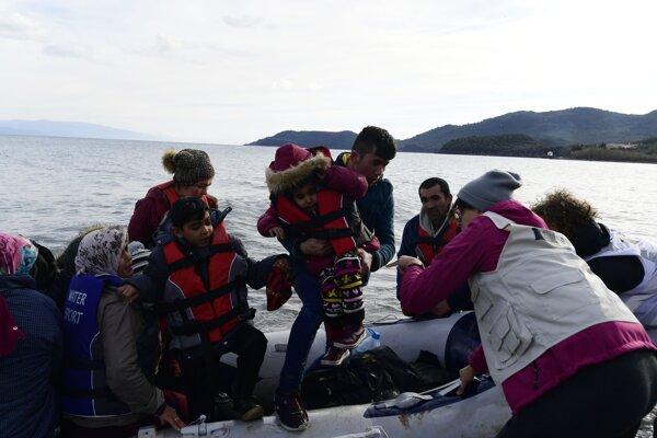 Migranti na ostrove Lesbos - ilustračná fotografia.