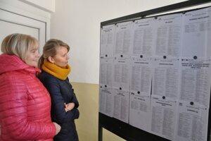 Voľby v Komjatnej