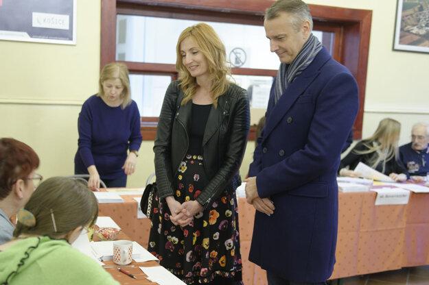 Voľby 2020: Richard Raši s manželkou Máriou.
