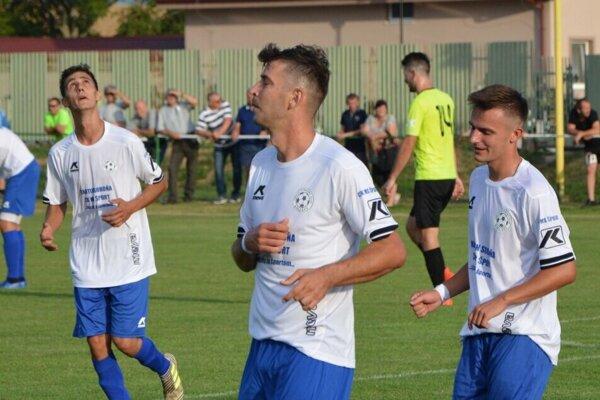 Jesennú časť vyhrali futbalisti zo Solčian. Podarí sa im na prvom mieste figurovať aj po skončení jarnej časti?
