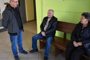 Exposlanci. Zľava Ján Hoško, Michal Petrík a Katarína Bochnovičová.