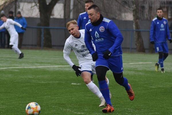 Jedným z hráčov, ktorý v Bardejove napriek turbulenciám zostal, je skúsený Miroslav Keresteš (vpredu).