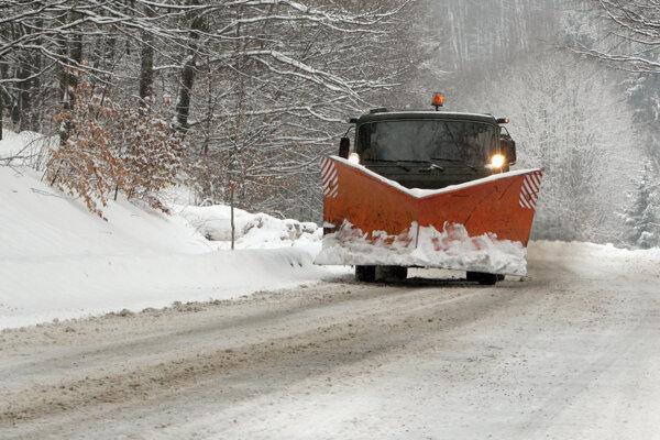 Vodičov prekvapilo sneženie.