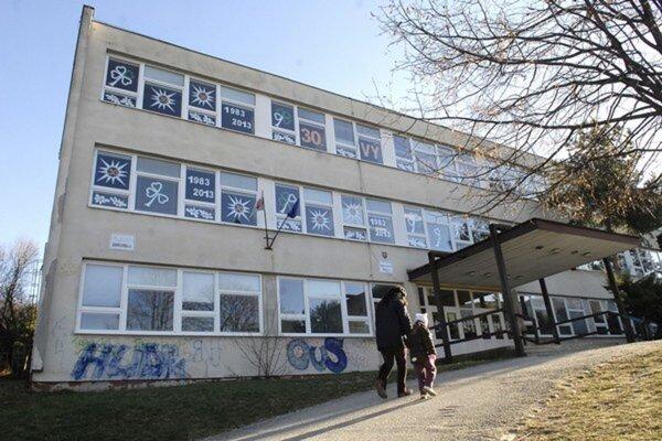Od štvrtka bude pre chrípkové prázdniny zatvorená aj ZŠ Krosnianska.