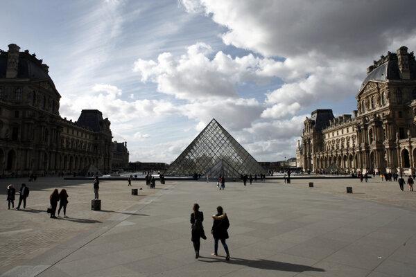Parížske múzeum Louvre.